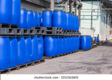 Blue Plastic Storage Drums containers for liquids in Chemical Plant ,