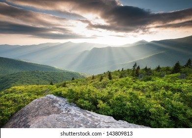 Blue Ridge Mountain Sunset Light Lush Green Summer Scenic