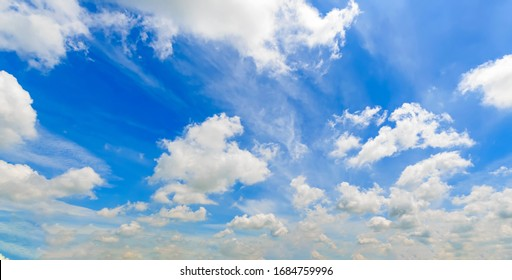 blue sky and clouds flowing with the wind
