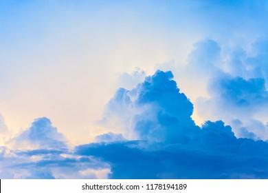 Blue sky, clouds, clouds, white clouds