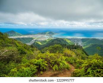 Blue sky over green montains. Kuliouou Ridge Trail, Hawaii, Oahu