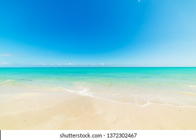 Blue sky over turquoise water in Miami Beach shore. Southern Florida, USA
