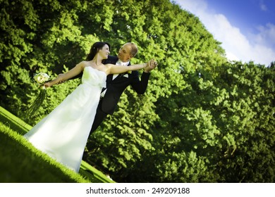 blue sky wedding couple wedding couple wedding couple