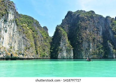 Blue water, Phi Phi islands, Thailand, Asia