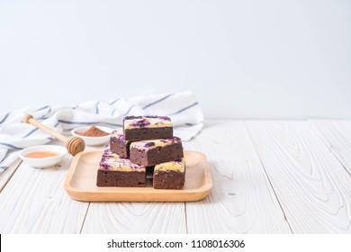 blueberry cheese brownies cake on plate