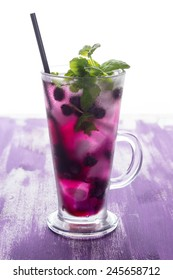 Blueberry cocktail with mint and lime