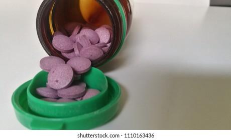 Blueberry Pills for Poor Eyesight Problems. Blue Pill