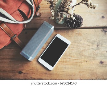 Bluetooth speaker with smart phone and bag