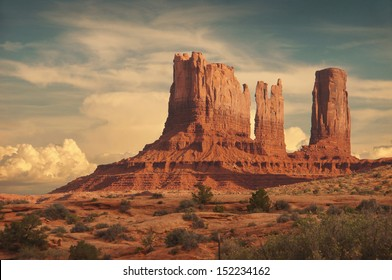 Bluff in Monument Valley, Utah/Monument Valley 2