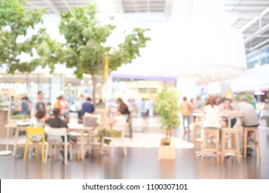Blurred background : blur group of people team meeting at co-working space, casual style, teamwork concept, business, education concept