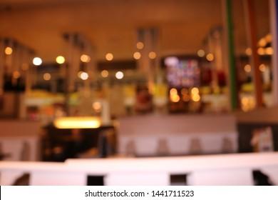 blurred background of resturant lights