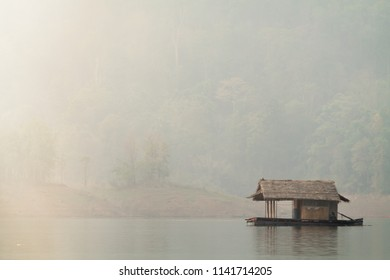 Blurred images of beautiful scenery.The nature of the reservoir over which the reservoir was used was in the dry season and a reservoir constructed to generate electricity for large industrial plants