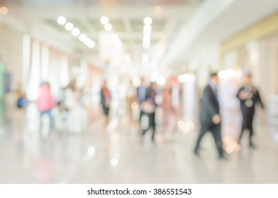 Blurred shopping mall and peple background.