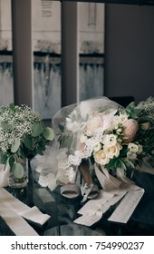 Blush and ivory wedding florals and bouquet