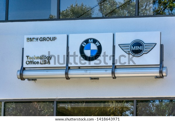 BMW Mountain View >> Bmw Mini Signs On Bmw Group Stock Photo Edit Now 1418643971