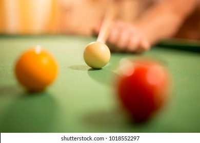 Board game with balls and cue billiards