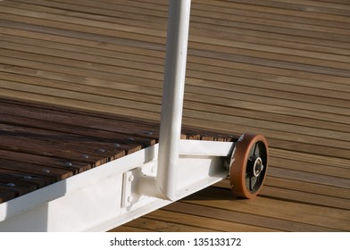 Boarding bridge detail