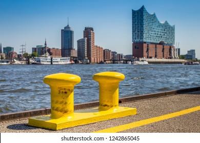 Boat dock in the port of Hamburg