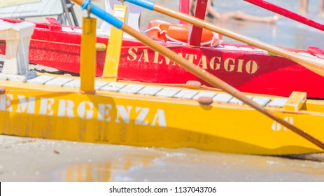 Boat of Italian rescuer, baywatch, emergency (salvataggio), emergency boat with paddles