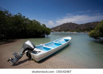 Boat at Playa las Gatas in Ixtapa, Zihuatanejo, Guerrero, Mexico.