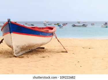 boat sal santa maria cape verde