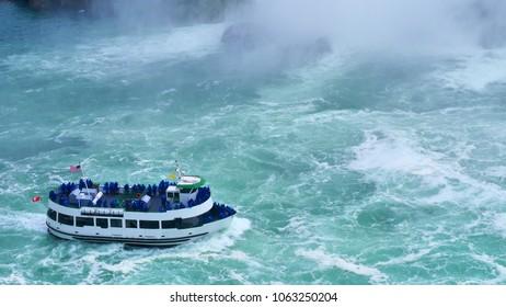 Boat tour of Niagara Falls