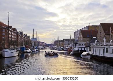 Boat traveling in Kobenhavn, Copenhagen, Denmark