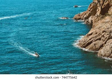 Boat trips along the coast of Tossa de Mar