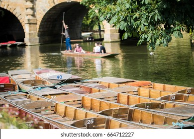 Boating In Punts On River Cherwell In Oxford