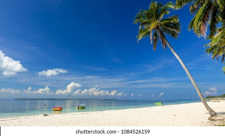 Boats anchored by the Bara Beach, a beautiful white sand beach in Tanjung Bira, South Sulawesi, Indonesia