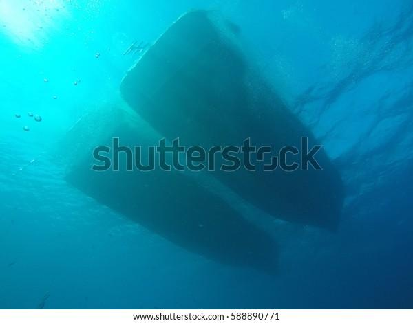 Boat's hulls