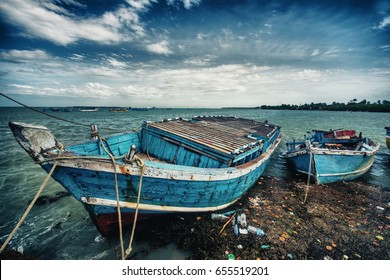 Boats at Nagadeepa harbour in Jaffna, Sri Lanka HDR