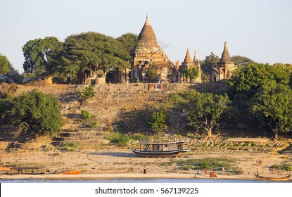 Boats and pagoda in Bagan , Myanmar