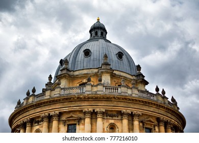 Bodleian library in Oxford, dramatic sky