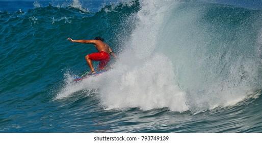 Body Board Knee Surfing