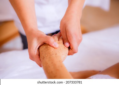 body care, body scrub, body care, body scrub, hand massage, Beauty and Health