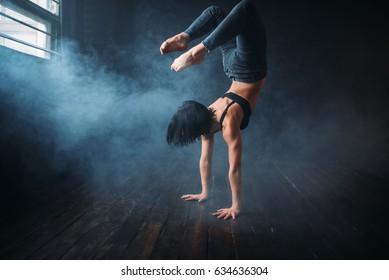 Body flexibility, contemp style dancer