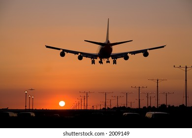 Boeing 747 / Jumbo Jet coming in for a landing at LAX during sunset