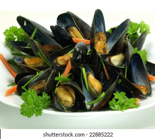 Boiled and garnished mussels