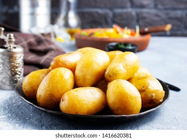 boiled potato in bowl, potato with butter
