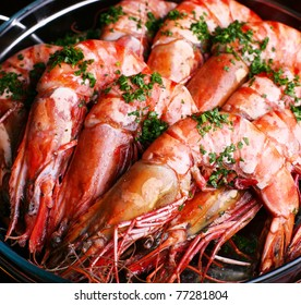 Boiled shrimp with parsley.