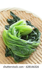 Boiled spinach on bamboo basket for Japanese food image
