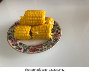 Boiled sweet corn for healthy breakfast