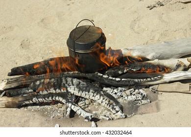 boiler, bonfire, fire, beach, sand, travel, tourism, camping, food, cooking