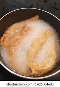 Boiling braised fish maw for making delicous fish maw in read gravy soup