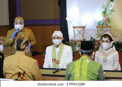 Bojonegoro, Indonesia, August , 19, 2020. A wedding simulation  javanese culture in the midst of the Covid-19 pandemic by observing health protocols.