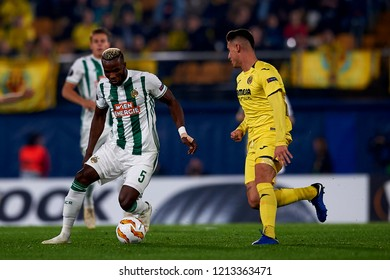 Bolingoli of Rap Wien and Raba of Villarreal during the Group G match of the UEFA Europa League between Villarreal CF and Rapid Wien at La Ceramica Stadium Villarreal, Spain on October 25, 2018.