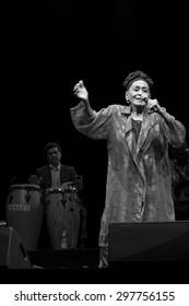 """Bollate (Italia) 16/07/2013 - Omara Portuondo leader di """"Orquestra Buena Vista Social Club"""" in concerto presso il Festival di Villa Arconati."""