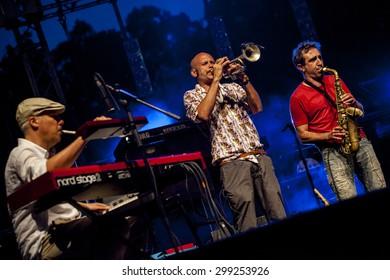 "Bollate (Italy) 07.10.2013 - Participation of singer Roberto Rondelli (Bobo) and ""the Orchestrino"" during the concert of Daniele Silvestri at the Festival of Villa Arconati."
