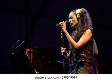Bollate (Italy) 18/07/2013 - Concert of Italian singer Nina Zilli and Italian trumpeter Fabrizio Bosso, the Festival of Villa Arconati.